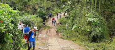 Convenio entre Comité de Cafeteros y alcaldía de Calarcá para mejorar vías rurales