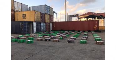 Panamá incauta 3.665 paquetes de droga en contenedores venidos de Colombia