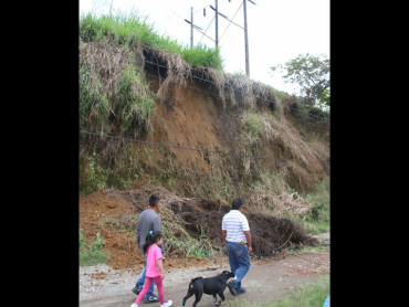 Inestabilidad de terrenos e inundaciones por los aguaceros en Armenia