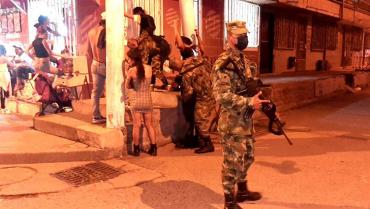 Ejército decomisó armas blancas e incautó estupefacientes