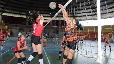 Inició la copa nacional de voleibol en Circasia