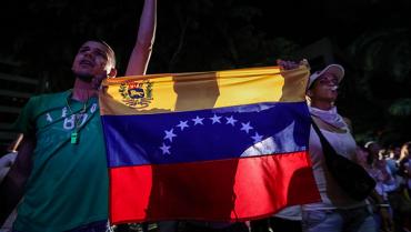 Más de 3.000 venezolanos llegan a Colombia por choques armados en su país