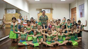 YhonAlexánderArias cambia vidas por medio de la danza en La Tebaida