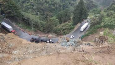 Habilitados los 2 carriles de la vía Calarcá-Cajamarca