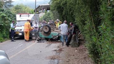 Salomón Parra murió y 9 personas sobrevivieron al accidente del Jeep Willys en Calarcá