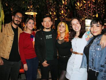 Daniela celebró su cumpleaños con buenos amigos