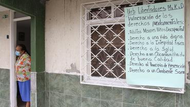 En el barrio Libertadores, aguas servidas se devuelven por los sifones