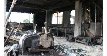 Incendio acabó con fábrica de colchones en Armenia