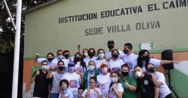 Club Rotario de Armenia entregó alegrías a los niños de la Escuela Villa Oliva de El Caimo