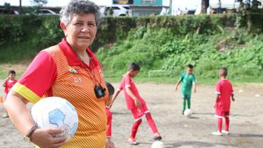 La primera mujer  que dirigió equipos de fútbol en el Quindío fue 'Pelesiño'