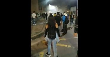 """""""Miembros del Esmad nos gasearon por la espalda"""": manifestantes"""