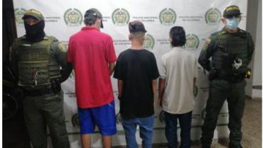 3 menores aprehendidos por atacar a piedra la alcaldía de Montenegro