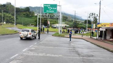 Versalles desbloqueado, pero camioneros y minga siguen en paro