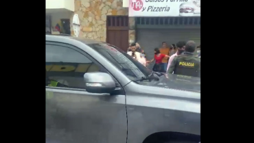 Manifestantes señalaron que ocupante de una camioneta los amenazó