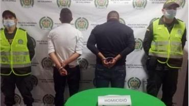Casa por cárcel y libertad a sospechosos de asesinar hombre en Génova