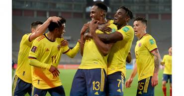 Colombia se rehace con una goleada que hunde a Perú