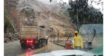 Por derrumbe, cerrada vía Calarcá-Cajamarca