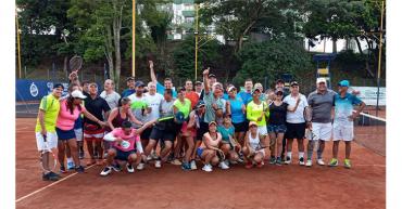 91 tenistas participaron en la Quinta Parada Medalla de Tenis