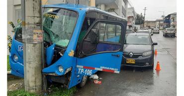 Choque múltiple en Armenia fue ocasionado por fallas mecánicas