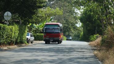 Accidentalidad inseguridad vial Vía entre Armenia y Pueblo Tapao,  angosta y peligrosa
