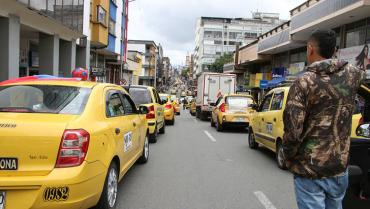 Inicia 'carrera' para vacunar a los taxistas en Armenia