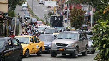 En Armenia no hay vías para tantos vehículos, a diario circulan ¡220.000!