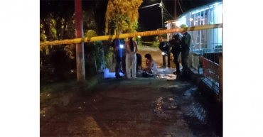 En el barrio Puerto Espejo, asesinaron un hombre de 9 impactos de bala