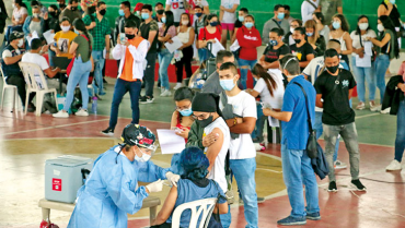 Vacunación sin barreras,  en Pueblo Tapao