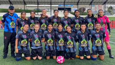Gran actuación de Tebaida en internacional de fútbol femenino