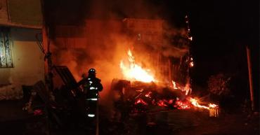 Incendio consumió vivienda en el barrio La Patria