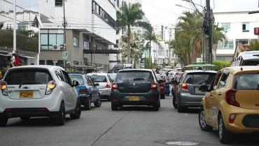 17 agentes de tránsito, por turno, para controlar miles de incultos ciudadanos