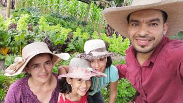 Una familia campesina que cosecha salud