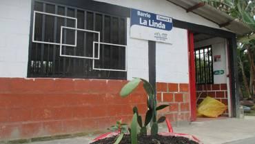 En La Linda vecinos hicieron la caseta comunal
