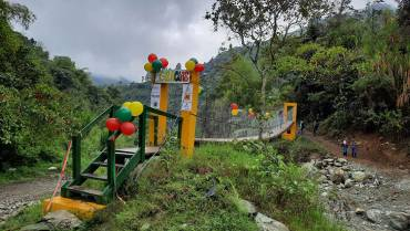 En zona rural de Pijao el puente lo hizo la comunidad
