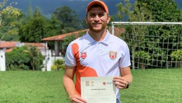 El primer quindiano con licencia para dirigir fútbol