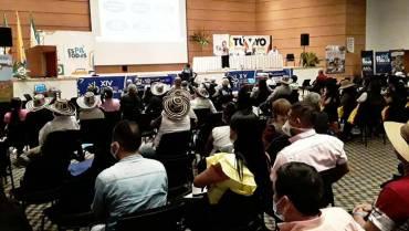 33 participantes del congreso de ediles afectados, al parecer, por ingesta de alimentos
