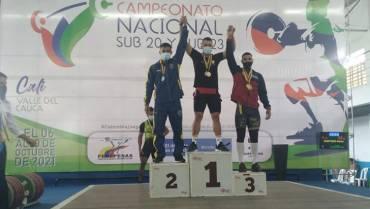 Pesistas ganaron 10 medallas en nacional