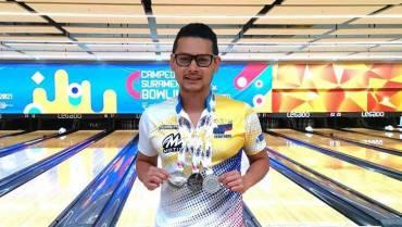 Rey, al Campeonato  Panamericano Masculino y Femenino de Bolo