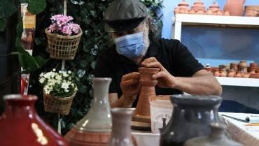 De la mano de los artesanos