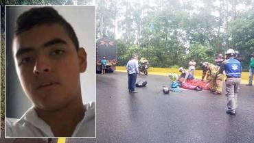 Habló la madre de motociclista que murió al accidentarse en La Línea