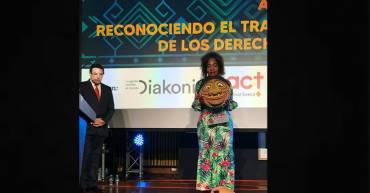 Luz Marina Becerra, elegida como la defensora del año en Colombia